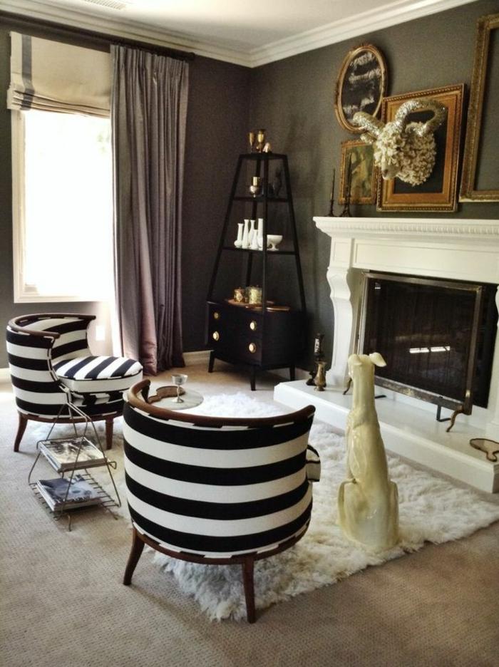 1-salon-de-style-baroque-avec-meubles-blancs-noirs-tapis-blanc-fausse-fourrure