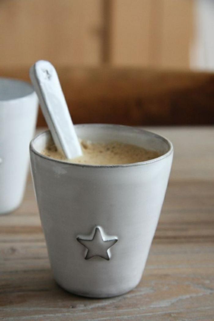 1-tasse-à-café-nespresso-blanche-pour-boire-votre-cafe-du-matin-avec-style