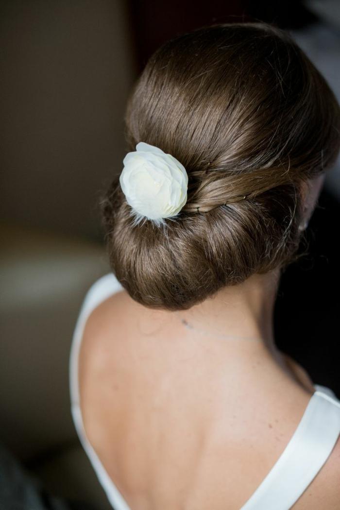 1-tuto-coiffure-cheveux-mi-long-marron-comment-etre-elegante-avec-la-coiffure-elegant