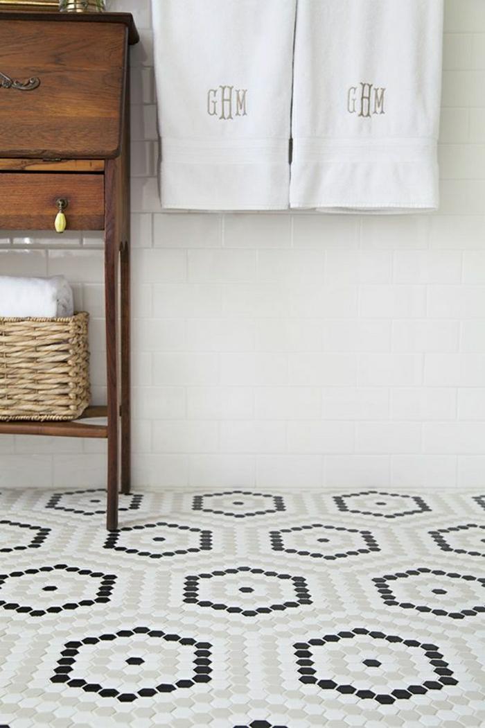 2-1-faience-salle-de-bain-leroy-merlin-sol-en-mosaique-noir-et-blans-pour-la-salle-de-bain