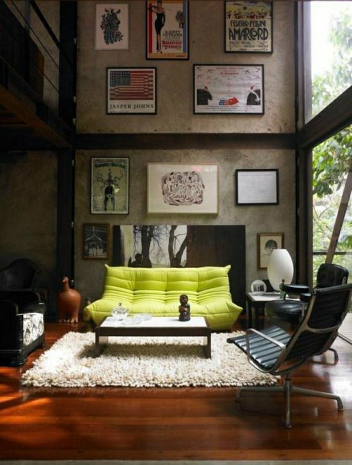2-chauffeuses-bultex-vert-jaune-pour-le-salon-d-esprit-loft-tapis-blanc-grandes-fenetres