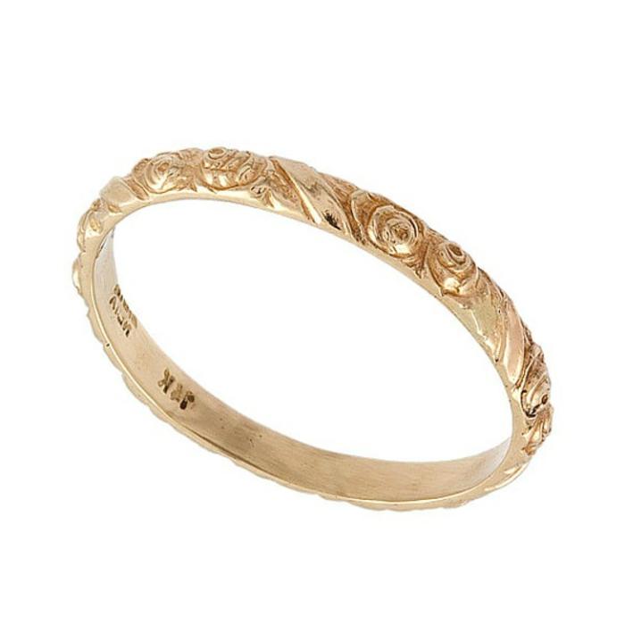 2-jolie-bague-mariage-mauboussin-bague-de-mariage-cartier-en-or-avec-ciation-et-decoration