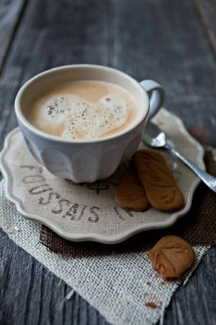2-tasses-à-café-bodum-tasse-a-cafe-originale-avec-figure-et-biscuits-a-cote