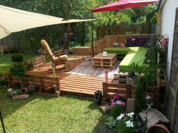 Les meilleures id es pour la terrasse en palette for Terrasse jardin palette