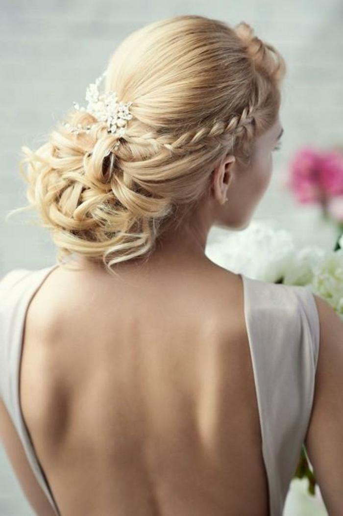 Beau-chignon-tressé-mariage-robe-et-beauté-la-coiffure-de-mariée