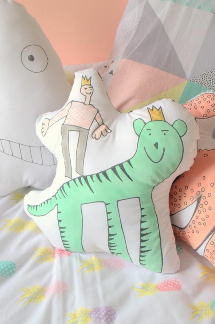 Belle-idée-lit-oreiller-enfant-déco-chambre-cool-jouet-coussine