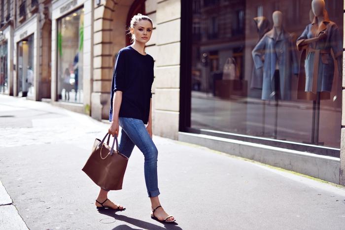 Belle-idée-tenue-de-jour-actuelle-avec-pull-cachemire-street-style