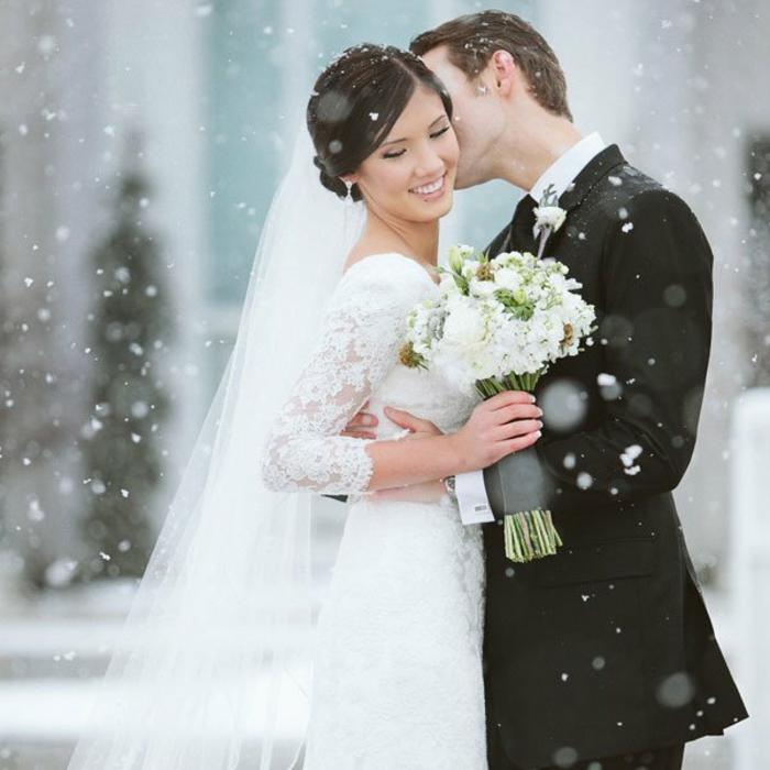 robe de mariée d'hiver-belle-robe-mariée-hiver-et-printemps-amour-n-a-pas-de-saison-resized