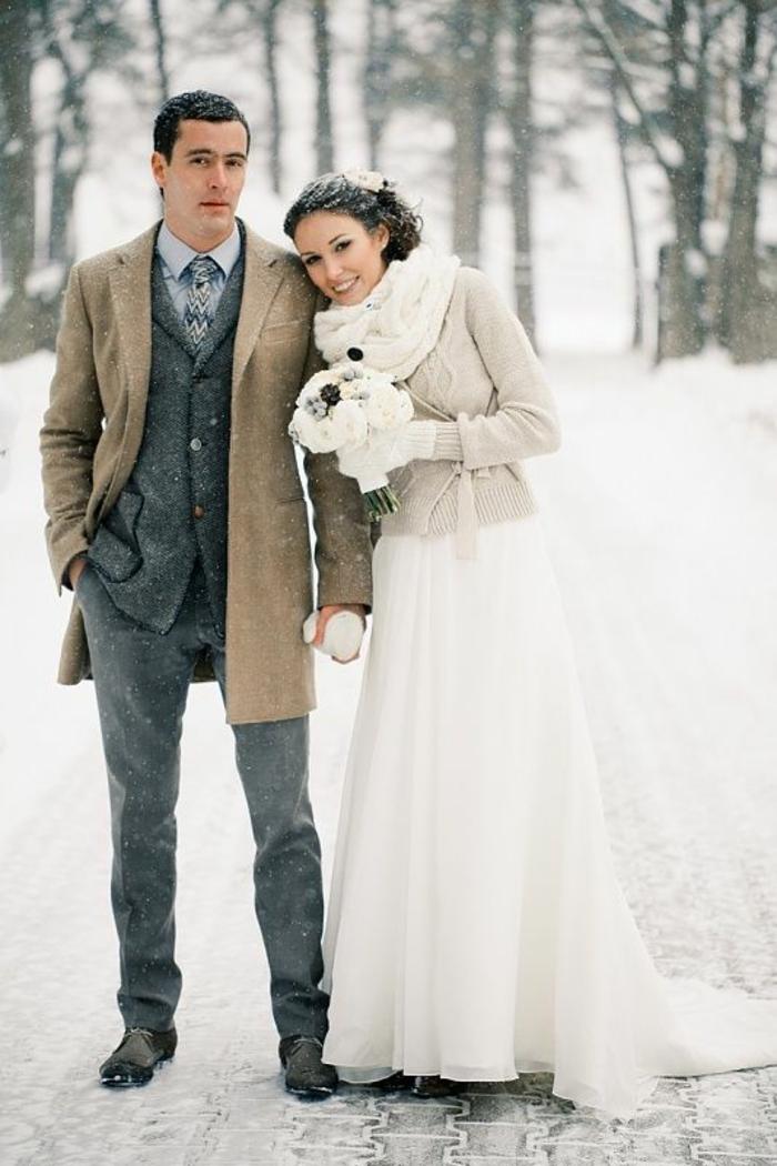 la-robe-de-mariée-d-hiver-robe-mariée-hiver-et-printemps-belle-couple-amoureux-resized