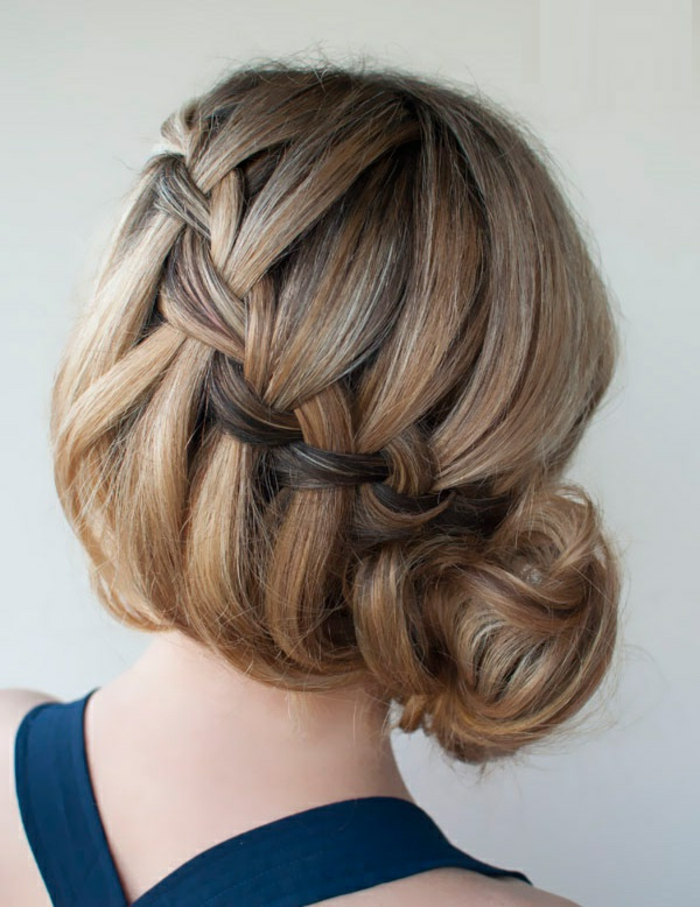 Coiffure-moderne-2015-chignon-tressé-en-tendance-cheveux-mi-long-coiffure