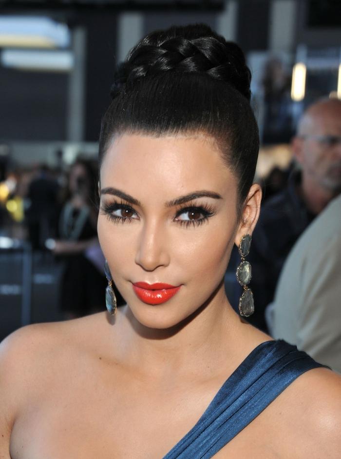 Coiffure-moderne-2015-chignon-tressé-en-tendance-kim-kardashian