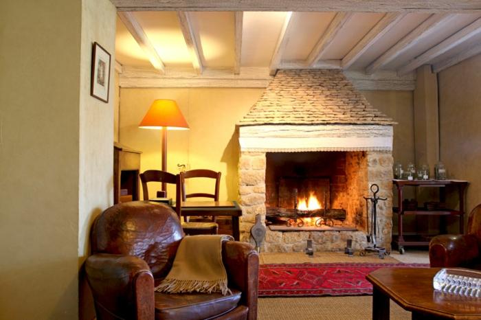 Decoration-cosy-déco-ambiance-cosy-pièce-jolie-le-feu