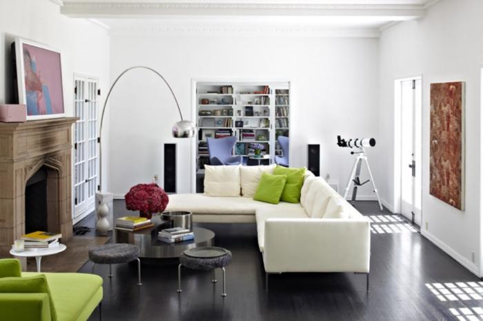 Idée-déco-avec-le-lampadaire-de-salon-belles-idées-luminaire-design-canapé-d-angle