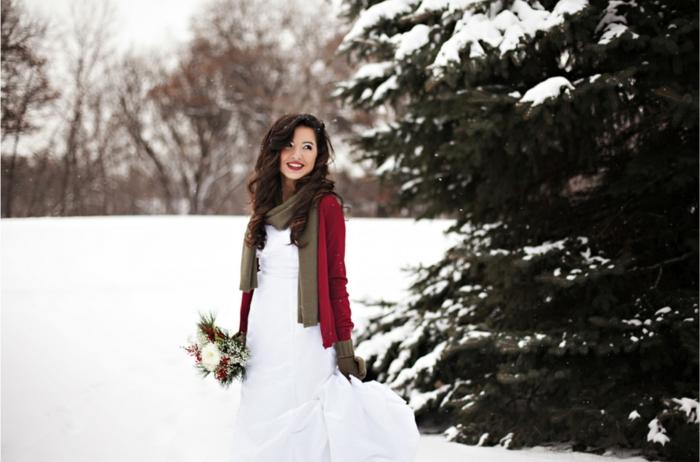 La-plus-belle-robe-de-mariee-en-hiver-belle-femme-mariage-hiver-resized