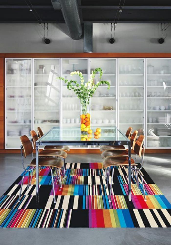 Le-tapis-colore-bon-pour-la-salle-de-séjour-lux-idée-vaste-salon