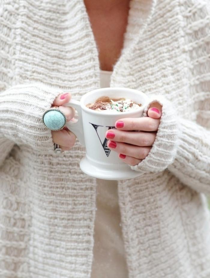 Porter-vetements-chaudes-pull-cachemire-femme-jilet