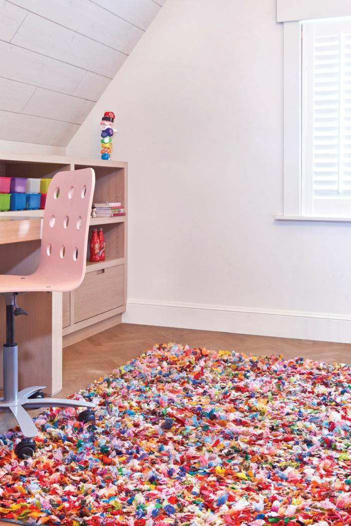 Salon-aménagement-avec-tapis-colorés-idées-tapis