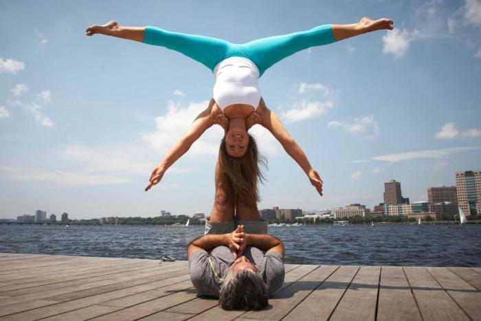 acro-yoga-harmonie-parfaite-entre-force-et-balance
