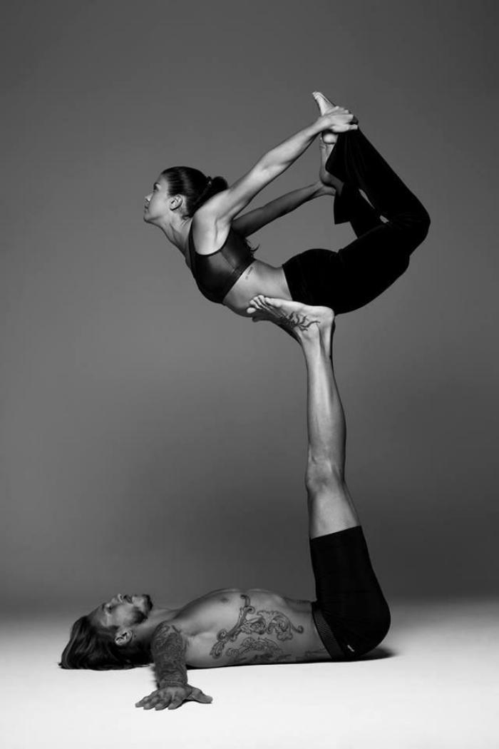 acro-yoga-idées-de-sports-modernes-jolis