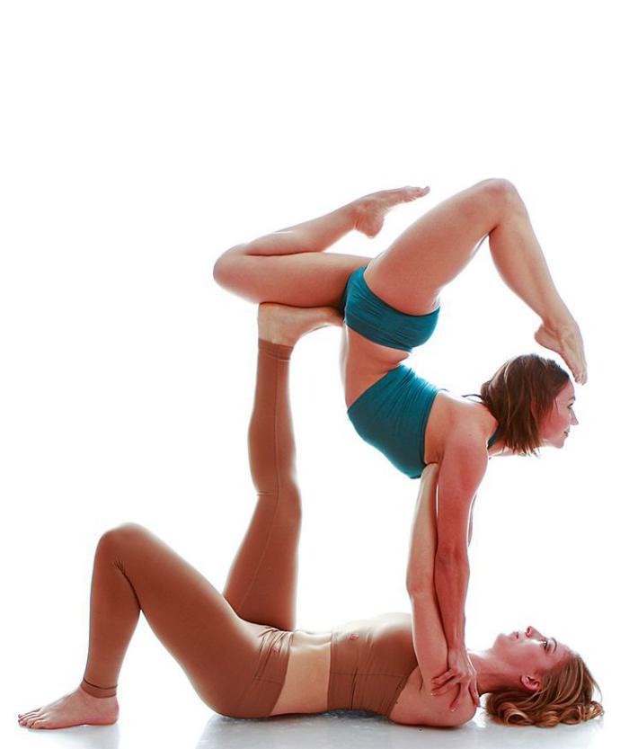 acro-yoga-jolie-position-pratique-de-acro-yoga