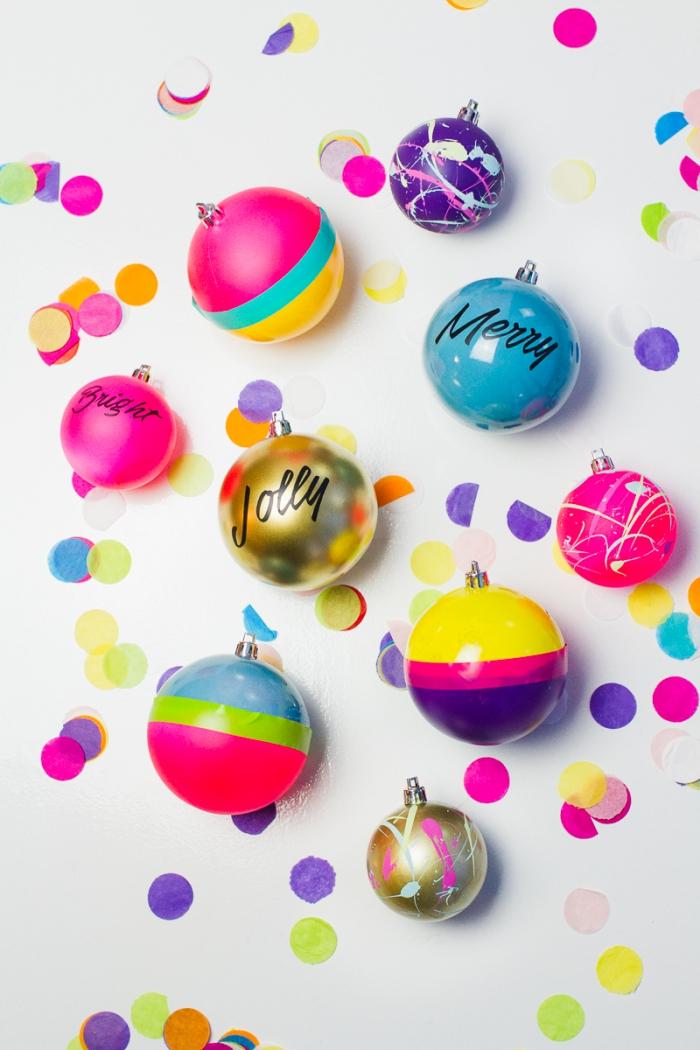 fabrication de jouets de sapin comme une activité manuelle noel facile, diy boules de Noël customisées avec peinture