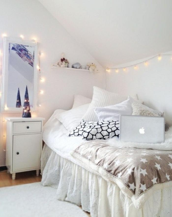 ambiance-cosy-chambre-maison-belle-à-faire-à-la-maison-en-blanc