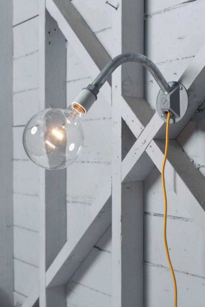 appliques-extérieures-ampoule-avec-bras-métallique