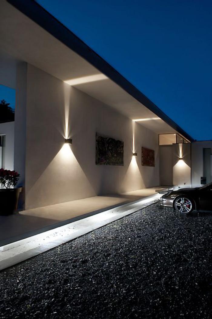 appliques-extérieures-belles-appliques-extérieures-qui-illuminent-de-deux-côtés