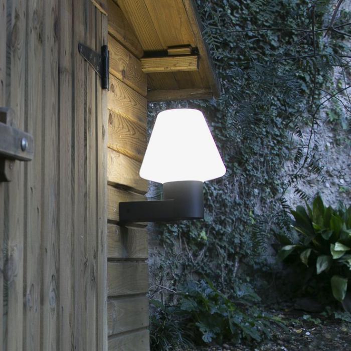 Les appliques ext rieures lesquelles choisir pour d corer son ext rieur for Lampe solaire jardin aulnay sous bois