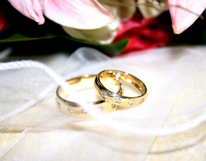 bague-mariage-cartier-pour-elle-et-pour-lui-comment-choisir-la-meilleure-bague-de-mariage-femme