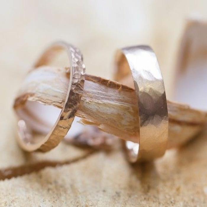 bagues-de-mariages-cartier-pour-lui-et-pour-elle-comment-choisir-les-bagues-de-mariage
