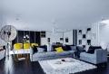 Belle décoration à la maison avec le tapis shaggy blanc