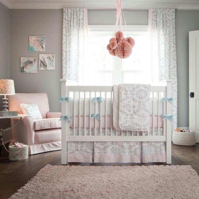 belle-chambre-bebe-linge-lit-bébé-le-lit-de-votre-bébé-fille