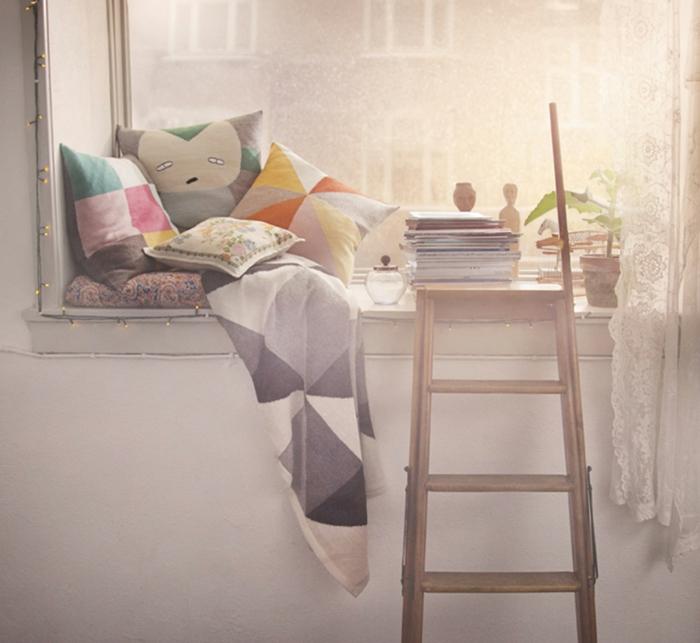 bois-echelle-charmante-idée-lit-oreiller-enfant-déco-chambre-belle-photo
