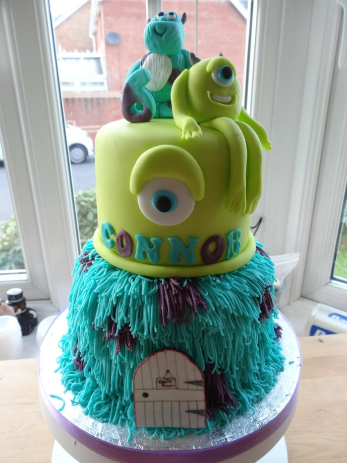 boo-monstre-et-compagnie-idée-anniversaire-thème-deux-etages-gateau-anniversaire-fille