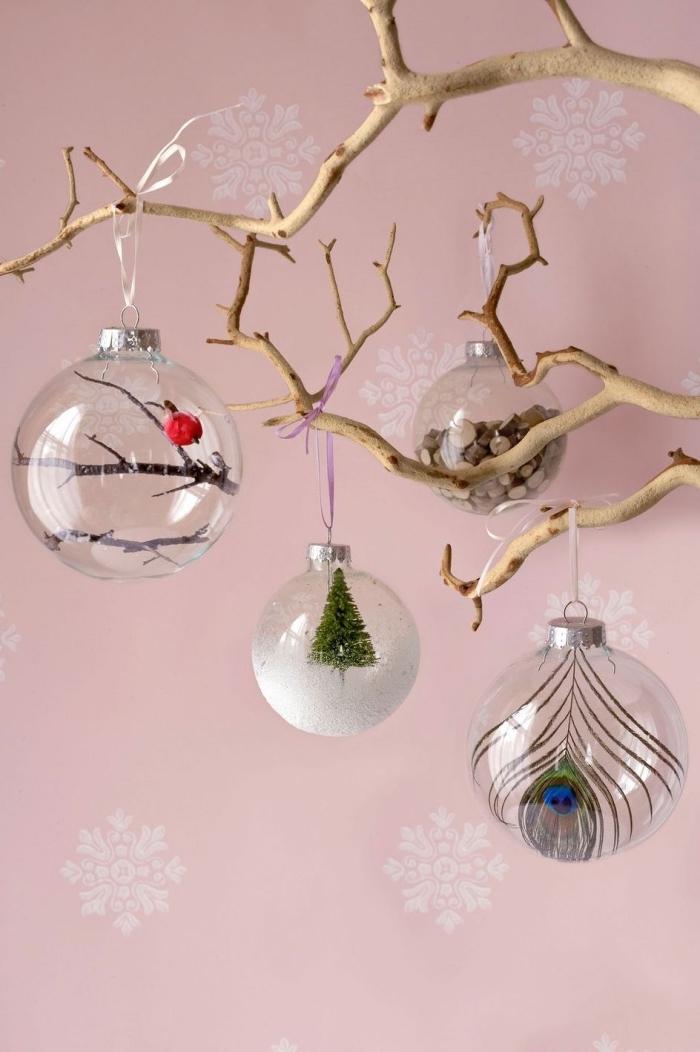 boule de noel transparente à customiser facilement, diy ornement transparent rempli de mini figurines de Noël