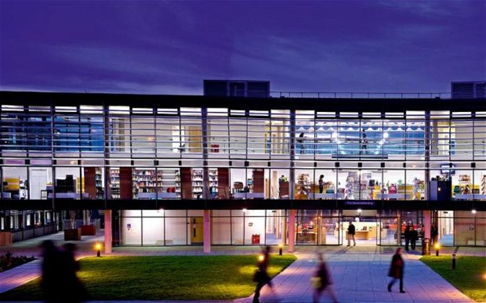 brighton-angleterre-visite-touriste-idée-où-aller-beau-université-moderne