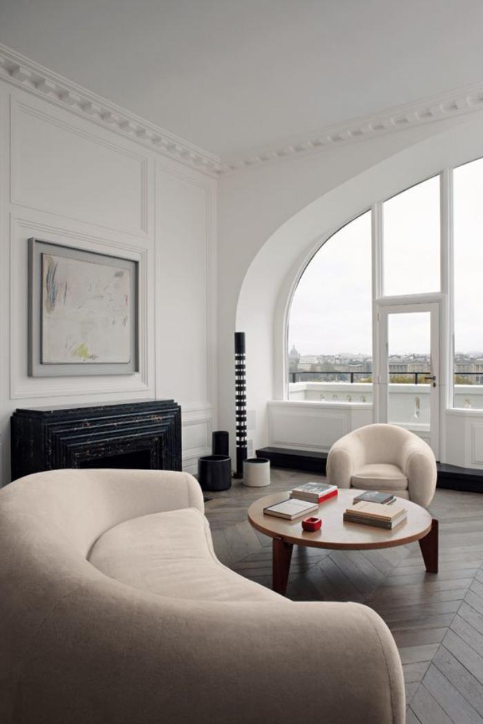 Int rieurs avec un canap arrondi un meuble pratique et for Interieur in french