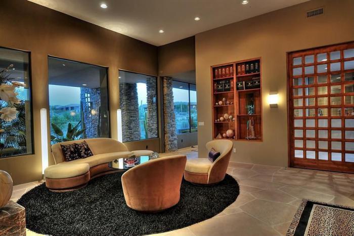 canapé-arrondi-salle-de-séjour-moderne-en-beige