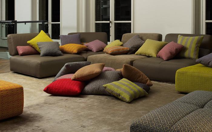 canapé-composable-plusieurs-coussins-aménagement-déco-salle-de-séjour