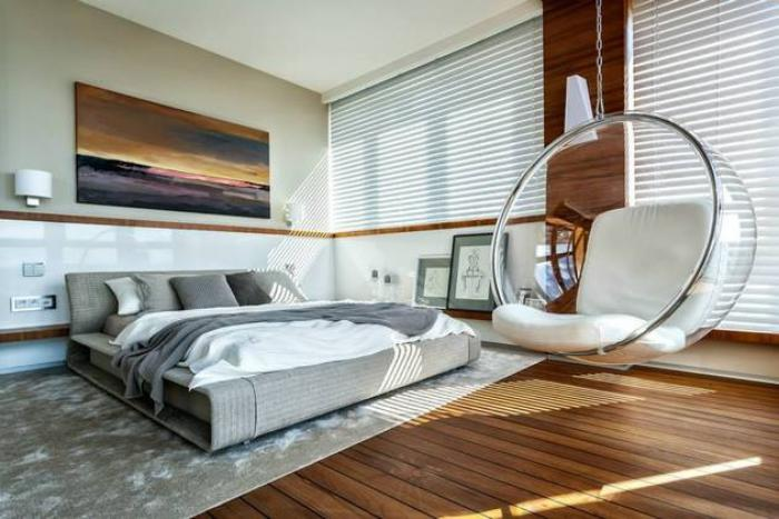 chambre-à-coucher-moderne-grand-fauteuil-boule-suspendu