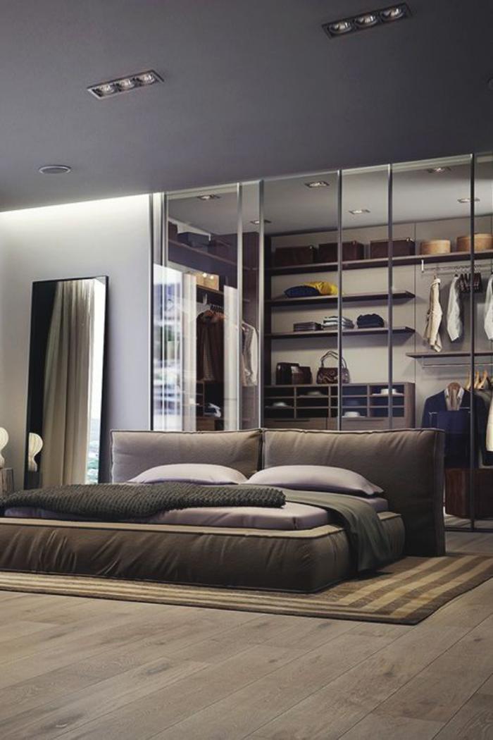chambre-à-coucher-moderne-portes-de-dressing-transparentes