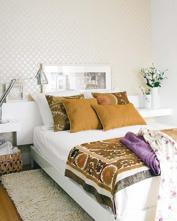 Belle d coration la maison avec le tapis shaggy blanc for Mesillas de habitacion