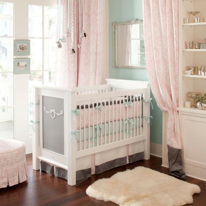 chambre-bebe-linge-lit-bébé-le-lit-de-votre-bébé-en-rose