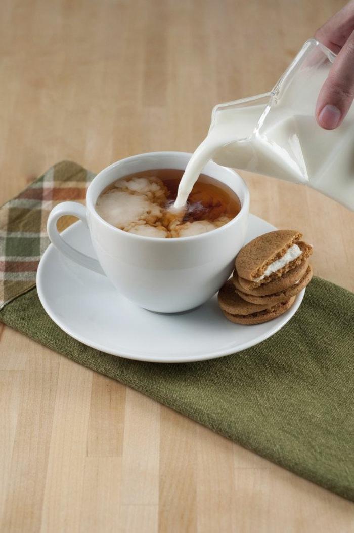 comment-boire-votre-cafe-du-marin-une-jolie-tasse-à-café-personnalisée-blanche