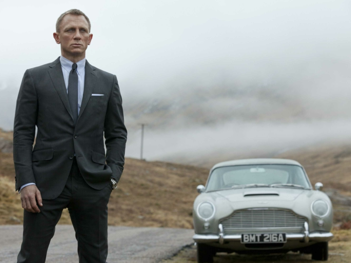 comment-faire-un-noeud-de-cravate-amourueses-de-james-bond
