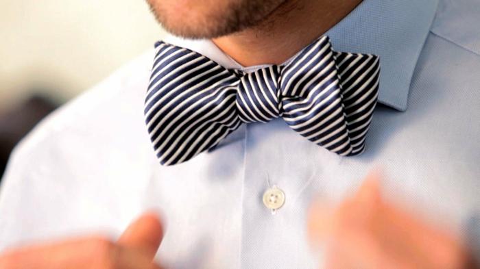 comment-s-habiller-bien-avec-coutume-et-noeud-à-faire-soi-meme