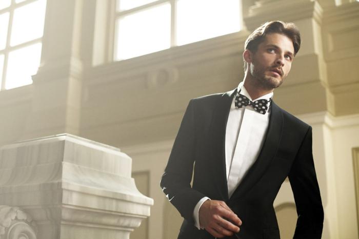comment-s-habiller-bien-avec-coutume-et-noeud-vetements-cool