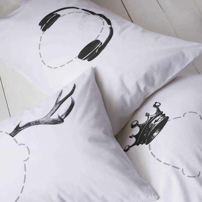 confort-sur-le-lit-la-taie-d-oreiller-tête-d-oreiller--taie-oreiller-satin-une-taie-d-oreiller-cool-et-mignon