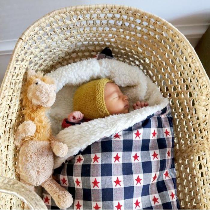 couffin-pour-bébé-à-crochet-matière-rustique